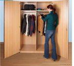 Széles ruhatári szekrény