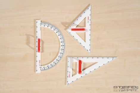 45°-os, 60 cm-es táblai háromszögvonalzó